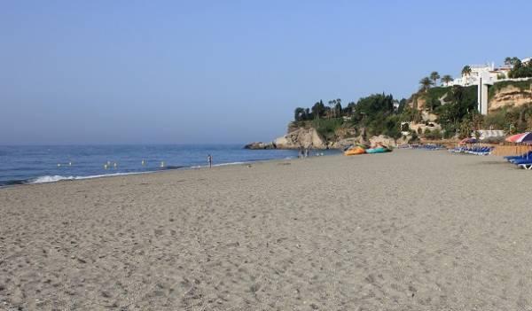 Playa Burriana Nerja